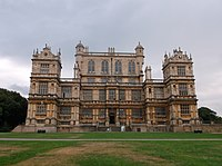 Wollaton Hall, Nottingham (1).JPG