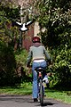 Woman cyclist -Australia-1Sept2005.jpg