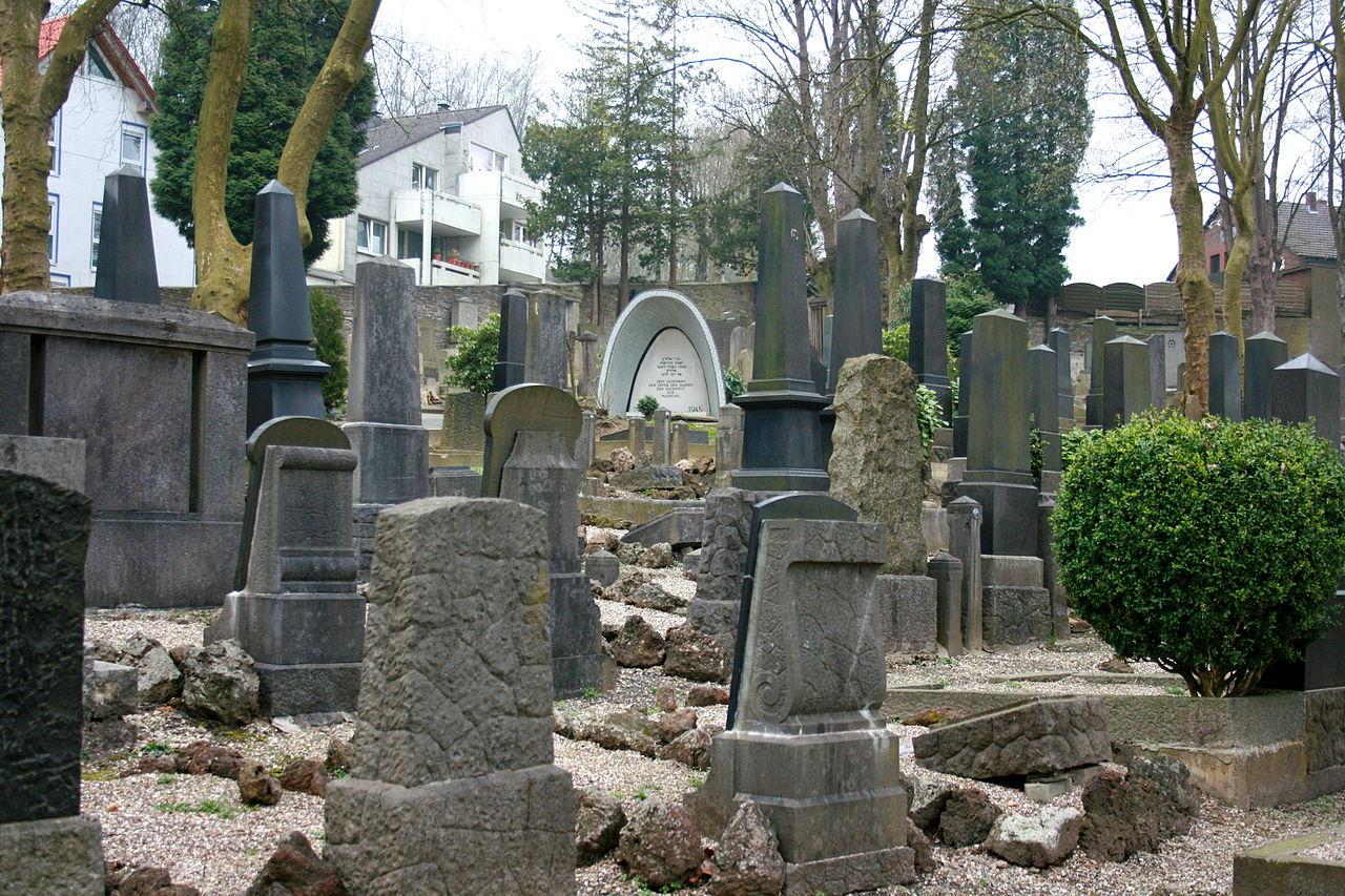 Wuppertal - Jüdischer Friedhof am Weinberg 01 ies.jpg