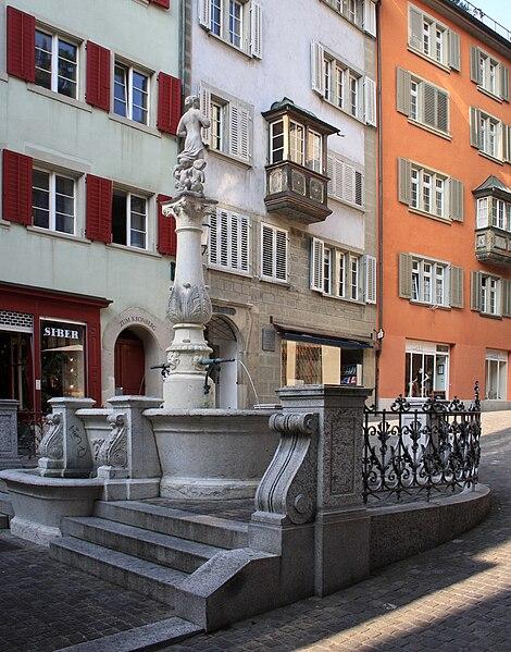 Datei:Zürich - Brunnenturm IMG 0608 ShiftN.jpg