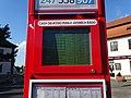 Zbraslavské náměstí, odjezdy na elektronickém papíru (02).jpg