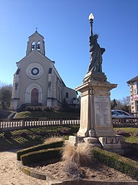 Église et monument aux morts de Châteauneuf-la-Forêt.jpg