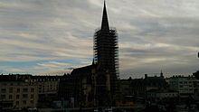Église saint pierre de Caen en travaux la nuit tombante fev17.jpg