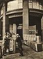 Česká banka rozšiřuje své oddělení pancéřových schránek Safex. Pancérové schránky moderni u osvědčené konstrukce dodala firma Tresoria (1937).jpg