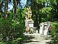 Братська могила радянських воїнів на вул. Шевченка, 26.jpg