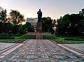Пам'ятник Тарасу Шевченку (вид спереду).jpg