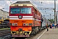 ТЭП70-0493 с поездом Адлер - Санкт-Петербург, станция Елец.jpg