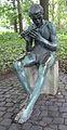 """""""Flötenspieler"""" (Audifax), 1906-08 von Christian Elsässer im Stadtgarten Karlsruhe.jpg"""