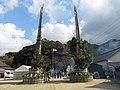 宝満神社大門松 - panoramio.jpg