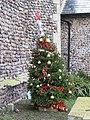 -2020-12-13 Christmas tree, Saint Andrew's, Bacton (2).JPG