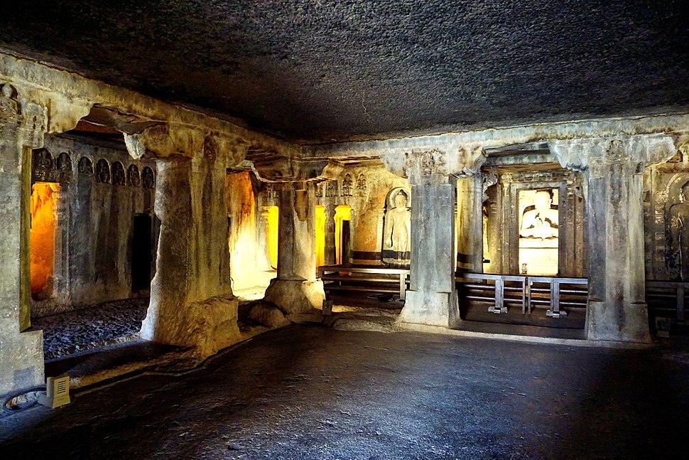 076 Cave 7, Main Shrine (34239859596)