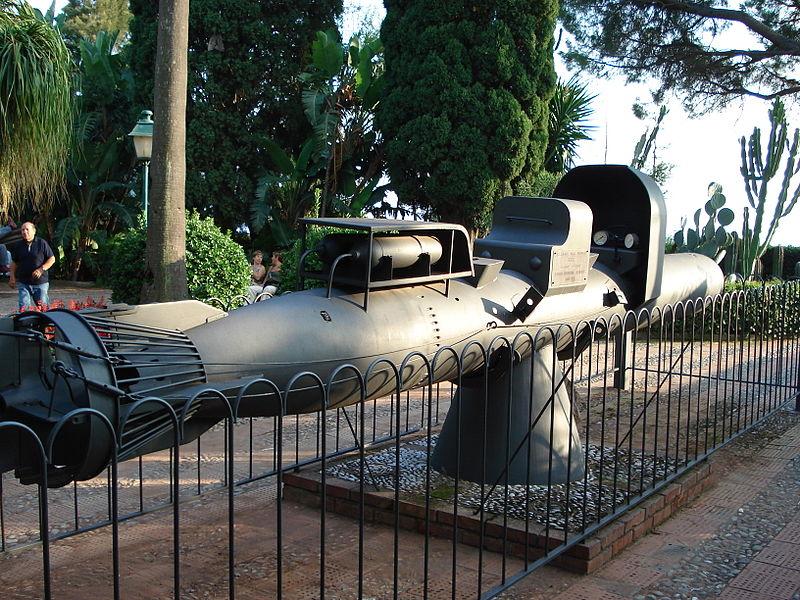 File:0950 - Taormina - Sottomarino Maiale alla Villa Comunale - Foto G. DallOrto, 30 Sept-2006.jpg
