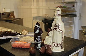 Chocolatier - Hollow chocolate figures for Saint Nicolas and Christmas celebrations