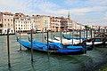 0 Venise, gondoles du Grand Canal (2).JPG