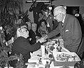 100-ste Verjaardag van mevrouw Smorenburg . Wethouder Steinmetz feliciteert de j, Bestanddeelnr 912-7970.jpg