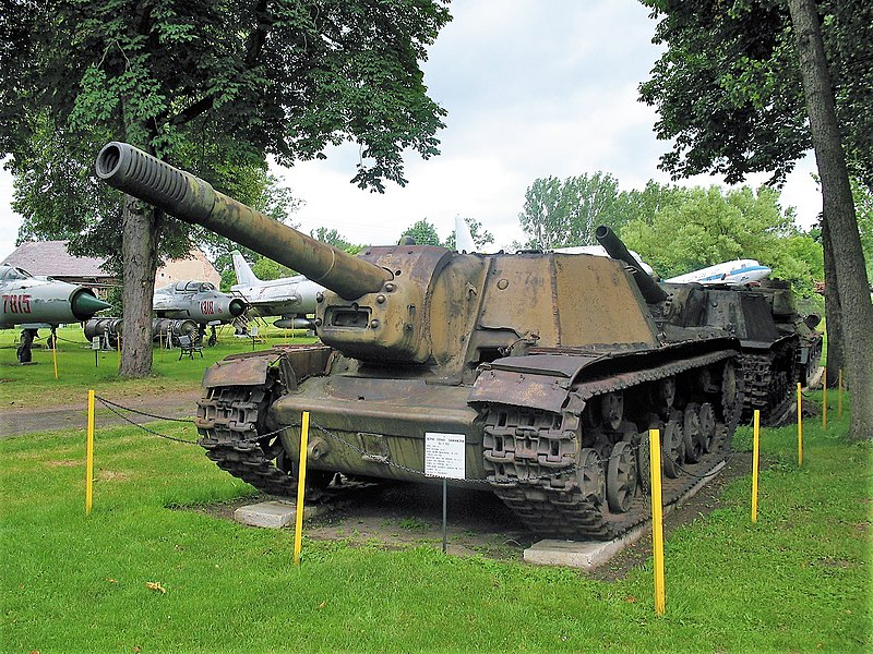 SU-152 at the Lubuskie Military Museum in Poland