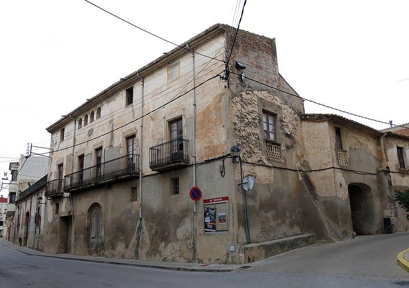 135 Cal Morgades (Llorenç del Penedès), c. Francesc Macià - c. Major.JPG