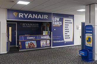Ryanair - Counter of Ryanair in Glasgow