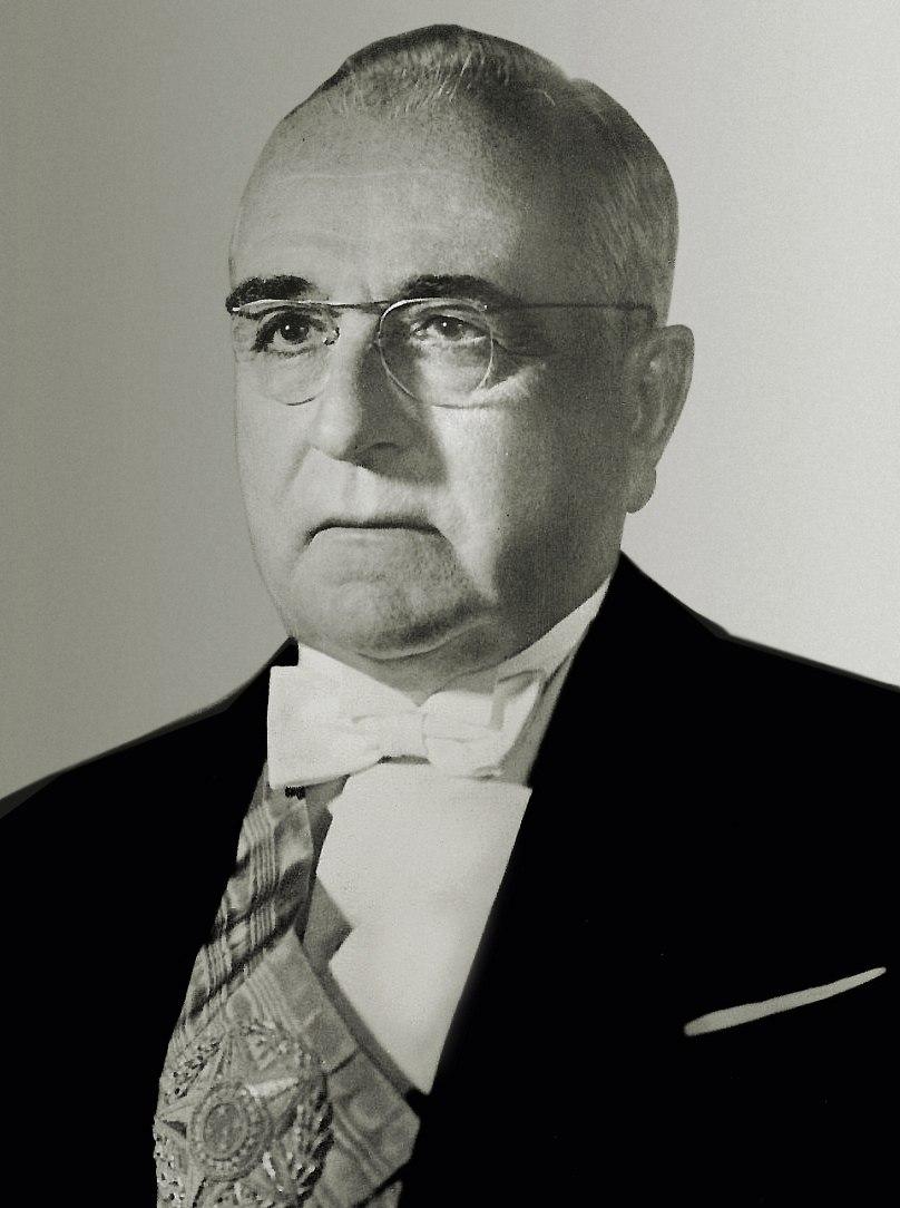 17 - Get%C3%BAlio Dorneles Vargas 1951 derivative