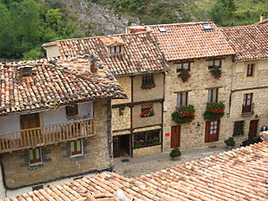 Frías, Province of Burgos - Image: 18092007 frias vistas desde castillo 3