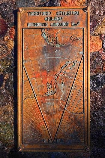 182 - Punta Arenas - Revendications territoriales chiliennes - Janvier 2010.JPG