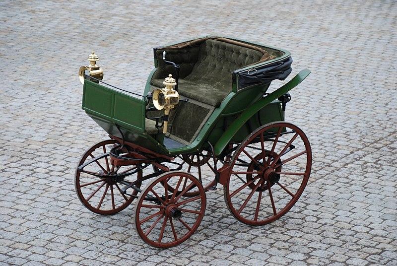 File:1888 Flocken Elektrowagen sw.jpg