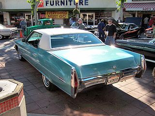 1971 Cadillac de Ville from rear