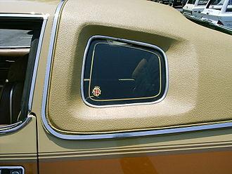 Opera window - Opera window and padded Landau roof on an AMC Matador Barcelona coupe