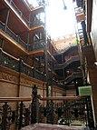 """Im Inneren des """"Bradbury Building"""", das als Drehort für Sebastians Wohnung diente"""