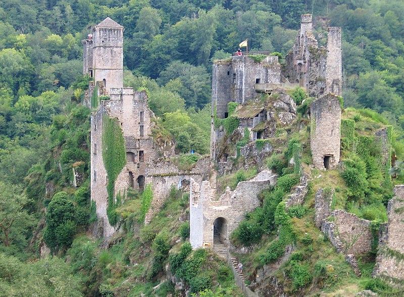 File:19 - Saint-Geniez-ô-Merle Tours de Merle.jpg