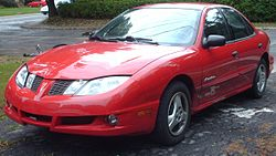 2003-05 Pontiac Sunfire Sedan.jpg