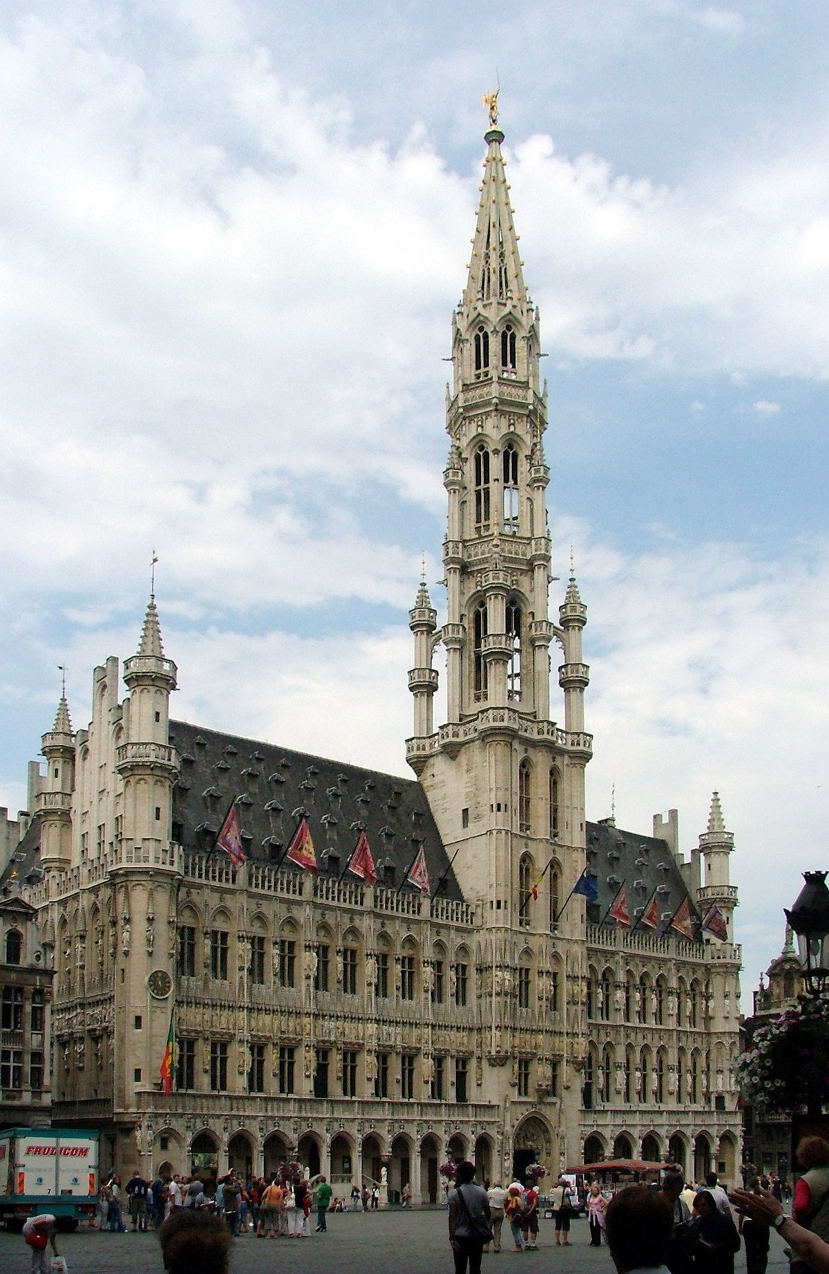 Brussels town hall wikipedia for Hotel piscine bruxelles