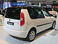 2012 Škoda Roomster (5J MY13) 77TSI wagon (2012-10-26) 02.jpg