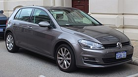 2013 Volkswagen Golf (5G) 110TDI Highline hatchback (2018-10-12) 01.jpg