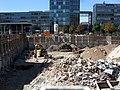 2018-08-12, Abriss der Volksbankzentrale und des Hotels Rheingold in Freiburg, die Untergeschosse müssen weg 5.jpg