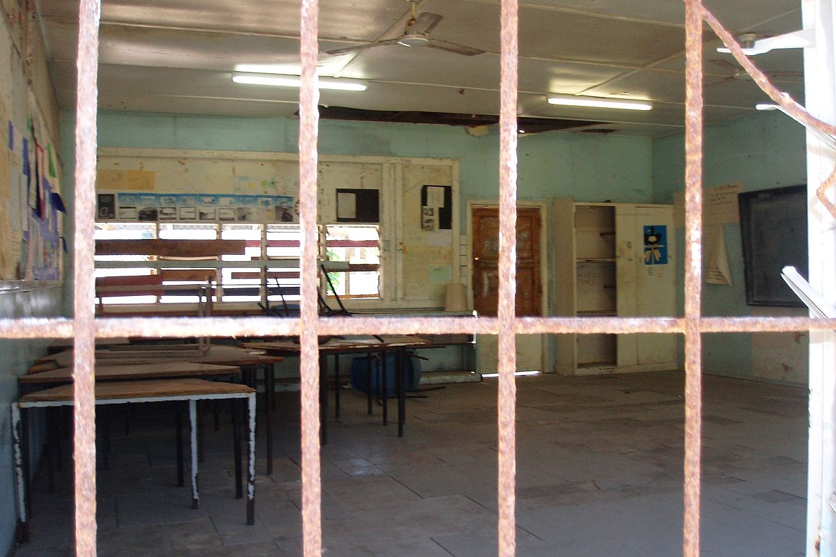 File:A classroom at Nauru Secondary School prior to its Australian-funded refurbishment, April 2008. Photo- DFAT (12045825393).jpg