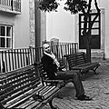 A selfie with a SLR camera at Alfama (15977698294).jpg
