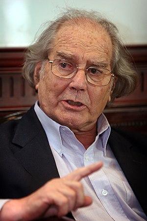 Adolfo Pérez Esquivel, premio Nobel de la Paz en 1980, Visitó al Presidente de la Asamblea Nacional, Fernando Cordero. (5076794488).jpg
