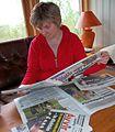 Aili Keskitalo med samiske aviser (cropped).jpg