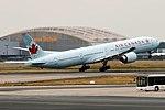 Air Canada, C-FRAM, Boeing 777-333 ER (29447143977).jpg