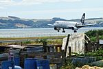 Air New Zealand Airbus A320-232 ZK-OJD NZ 820 SYD-ROT app - land ROT (16280219840).jpg