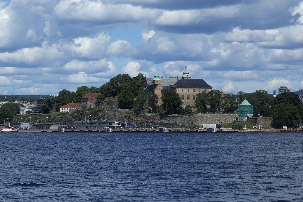 Norveška 1024px-Akershus_festning