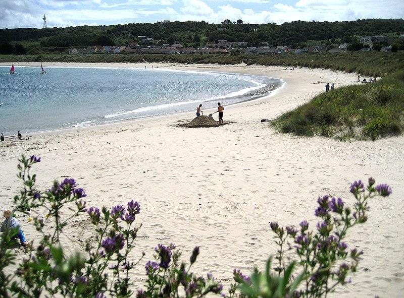 File:Alderney - Braye Bay.jpg