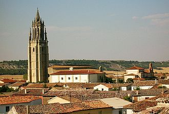 Ampudia - View of the town, with the tower of the colegiata.