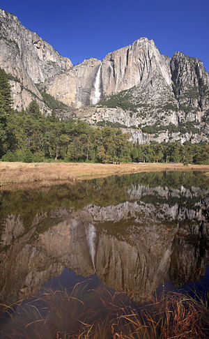 English: Upper Yosemite fall with reflection
