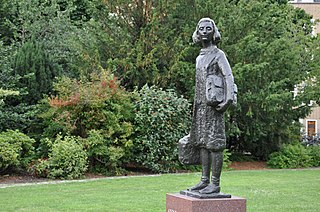 sculpture of Anne Frank