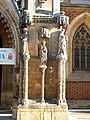 Archikatedra św. Jana Chrzciciela we Wrocławiu, filar płd. portalu głównego.jpg