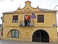 Ayuntamiento de Castropodame vista frontal.jpg