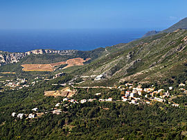 A general view of the village, with Patrimonio at the bottom left