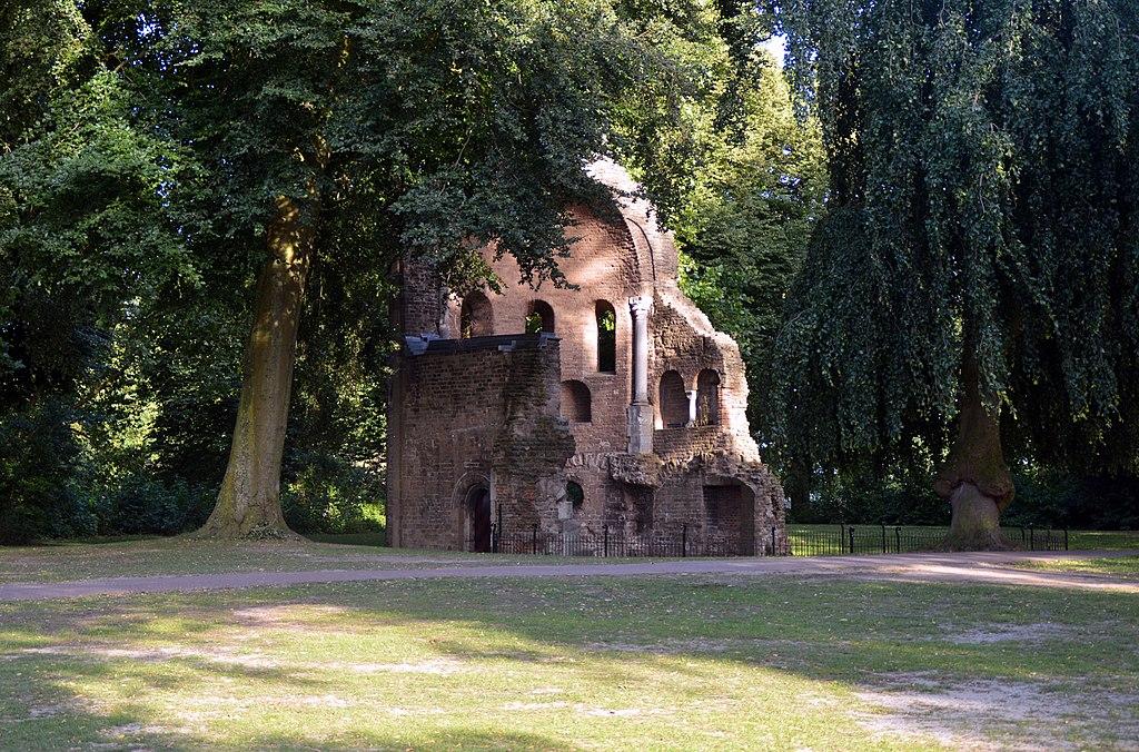 Bestand:Barbarossa-ruïne, Valkhof park, Nijmegen.jpg - Wikipedia
